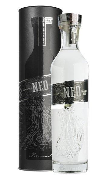 FACUNDO NEO Silver Rum 40% Darčekové balenie
